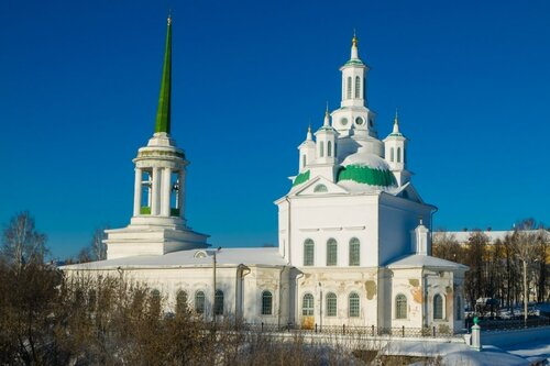Свято-троицкий собор зимой
