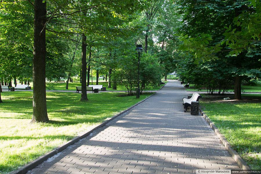 Тротуар в Екатерининском парке