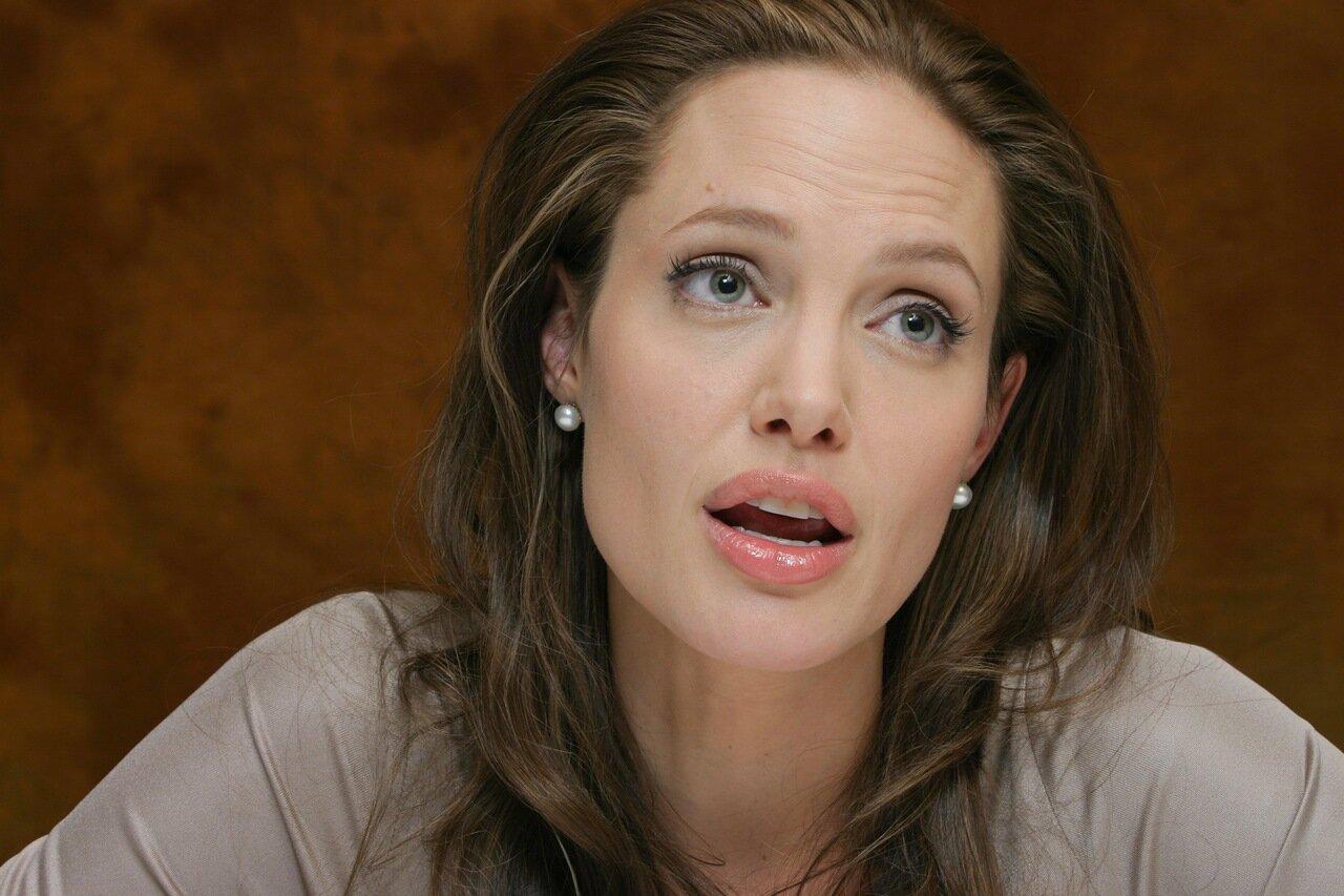 Angelina Jolie At The Regency Hotel