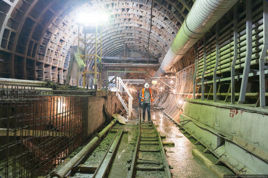 Вид в противоположную сторону, как раз видно сопряжение тоннелей разного диаметра
