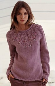 Сиреневый свитерок спицами - просто и со вкусом