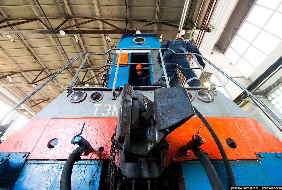 35. Бородинское ПТУ содержит 121 км ж/д путей и более 2500 собственных вагонов для бесперебойной дос