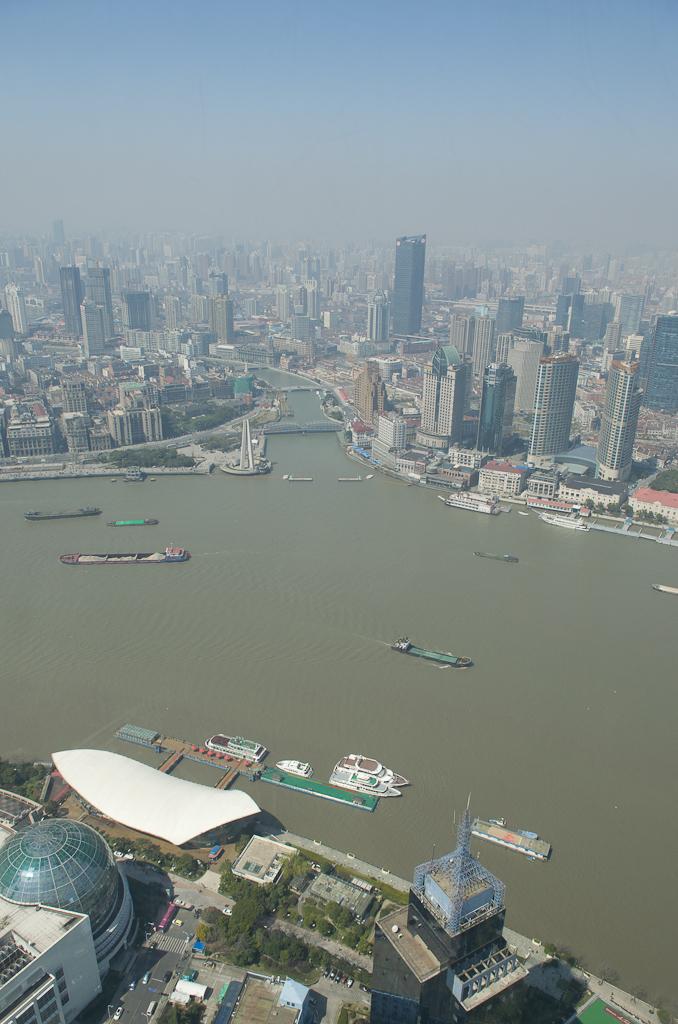 17. Аж голова кружится! :) Снято на камеру Nikon D5100 с объективом Nikon 17-55mm f/2.8 во время однодневной экскурсии по Шанхаю. Поездка в Китай самостоятельно.