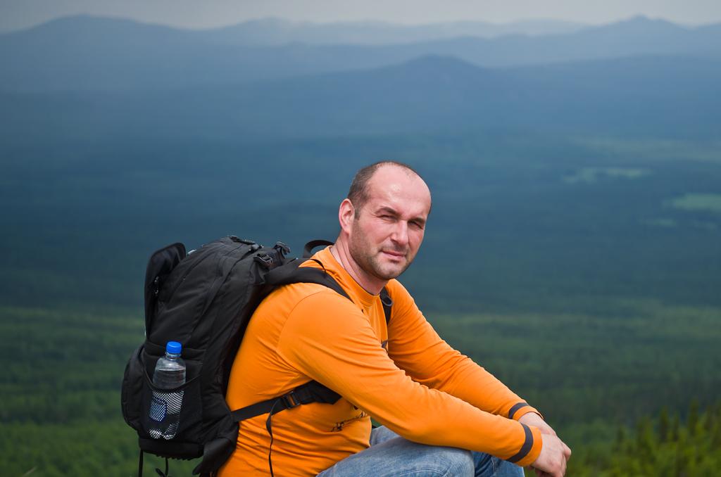 15. Отдых в Башкирии. Портрет начинающего фотографа и путешественника на вершине горы Ялангас