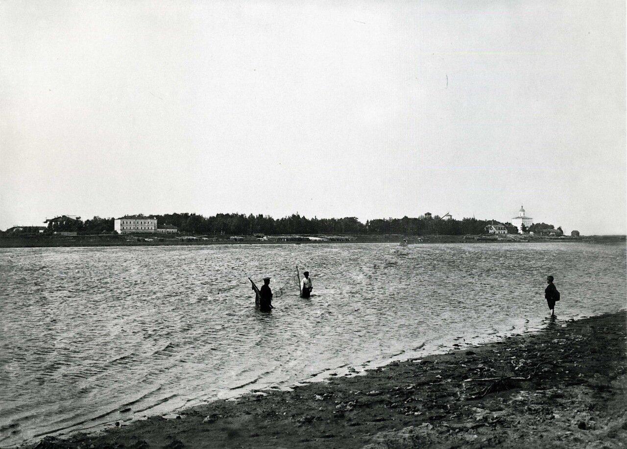 Вид на Колмово с реки Волхов