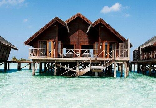 Comfort resort Pure ocean surf Mezmerising beach scenery Wooden