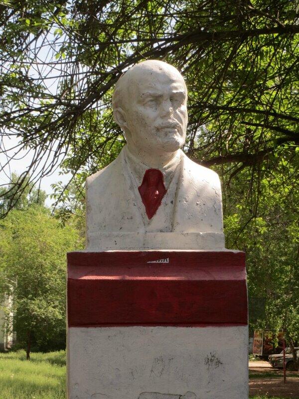 Сквер у ГМК и Ленин 059.JPG