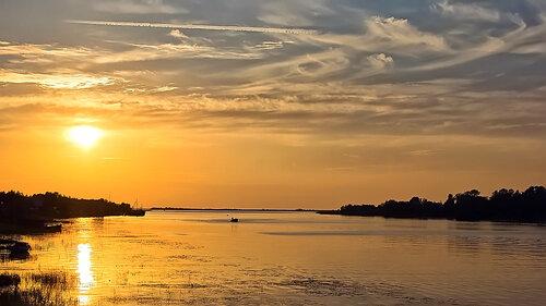 Золотой закат июня