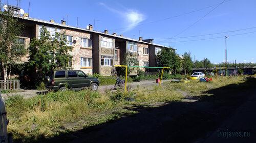 Фото города Инта №5526  Юго-западная сторона Спортивной 102 06.08.2013_13:34