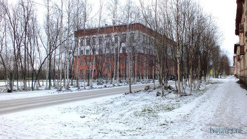 Фото города Инта №6215  Юго-западный угол Мира 2 (школа №5) 10.11.2013_14:08
