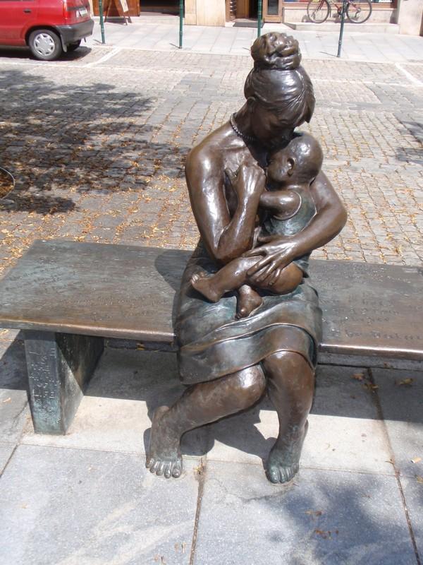 6. «Мать и дитя». Шумперк, Чехия