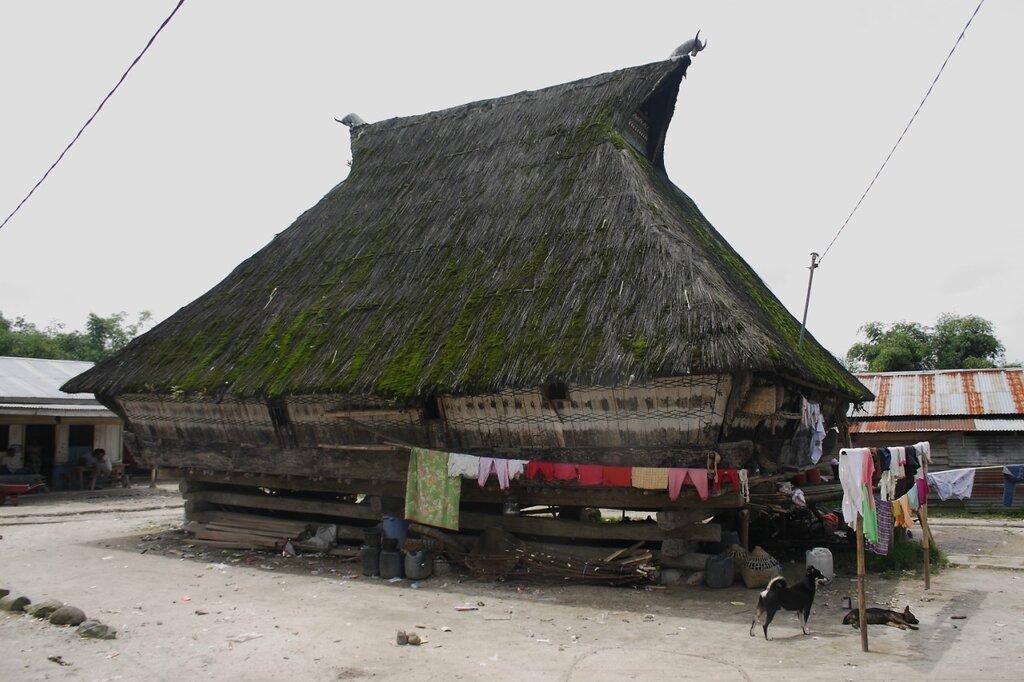 Традиционный дом каро