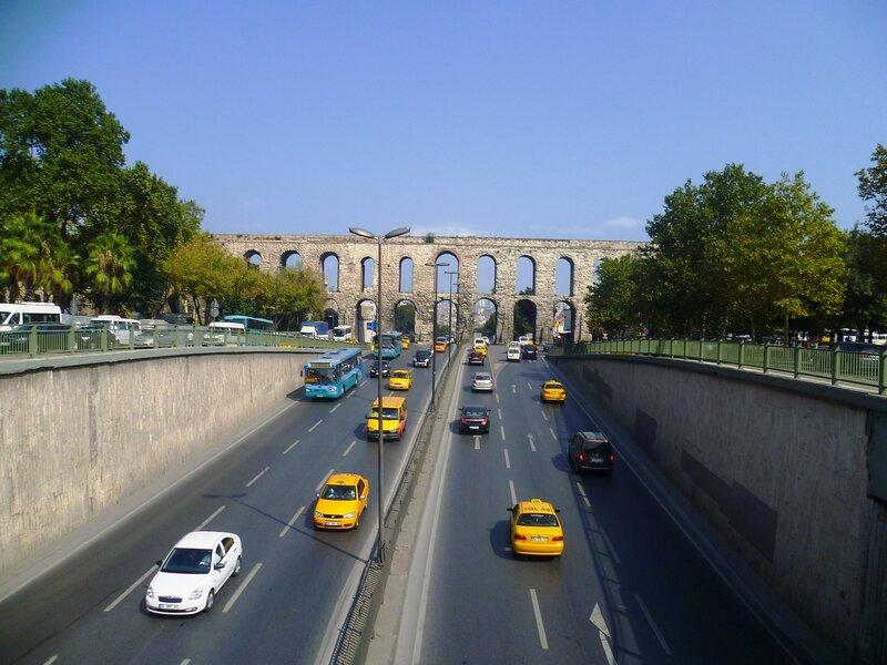 Стамбул. Акведук Валента (Istanbul. Aqueduct of Valens).