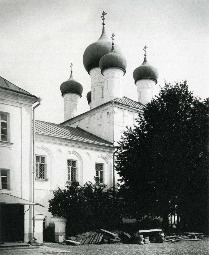 Духов монастырь. Церковь Троицы