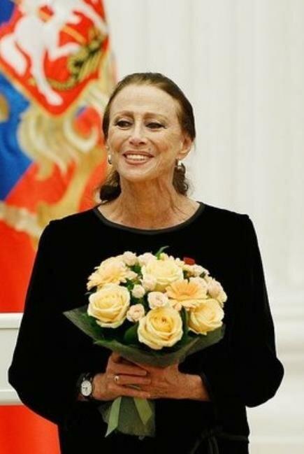 Плисецкая Майя Михайловна (р.1925-) 31 октября 2011 года.  Майе Плисецкой на этом фото без трёх недель, 86 лет.
