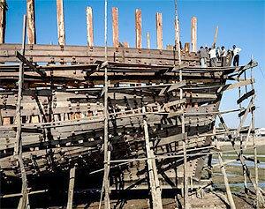 Техосмотр деревянного корпуса лодки