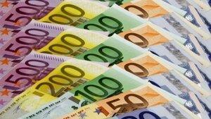Аналитики объясняют скачки курса евро