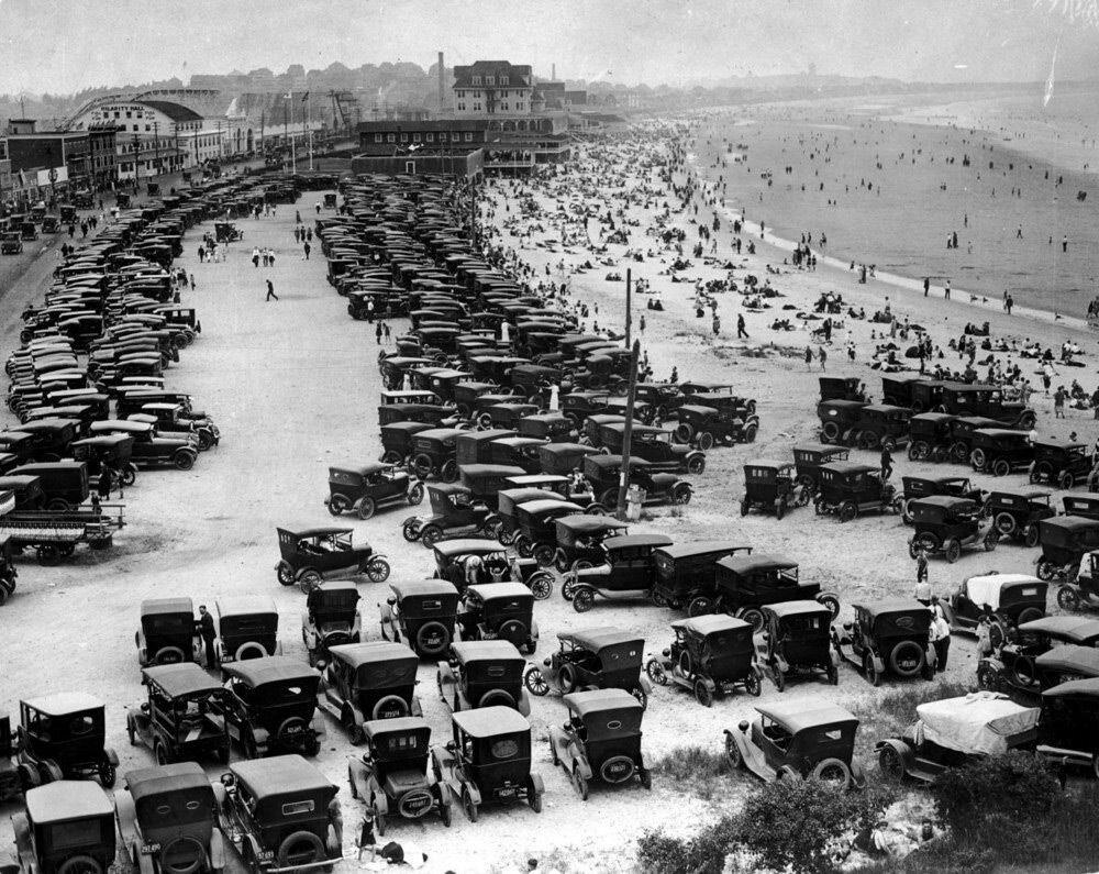 На пляже, США, 1920 г..Jpg