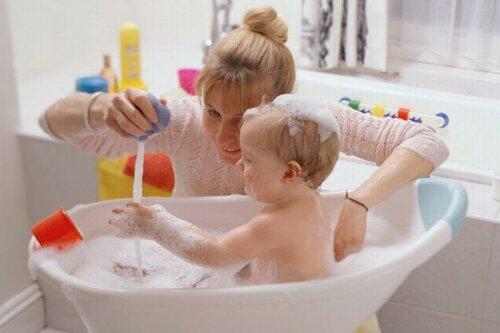 Правильный и своевременный уход за кожей ребенка