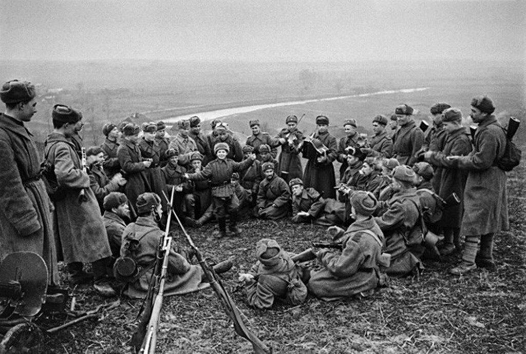 Сын полка. 1943 г.