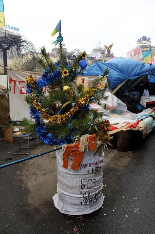 Новогодняя елка в бочке