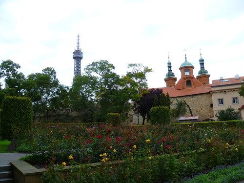 Петршинский холм в Праге, Чехия (Petrin hill in Prague, Czech Republic)