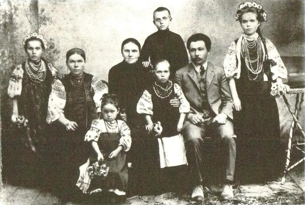 Семья мещан. Поселок Сосница