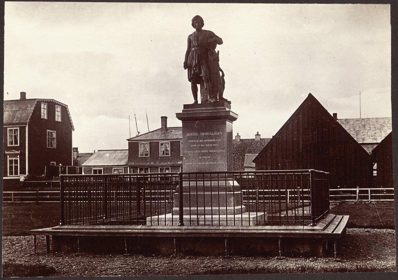 Памятник Торвальдсена
