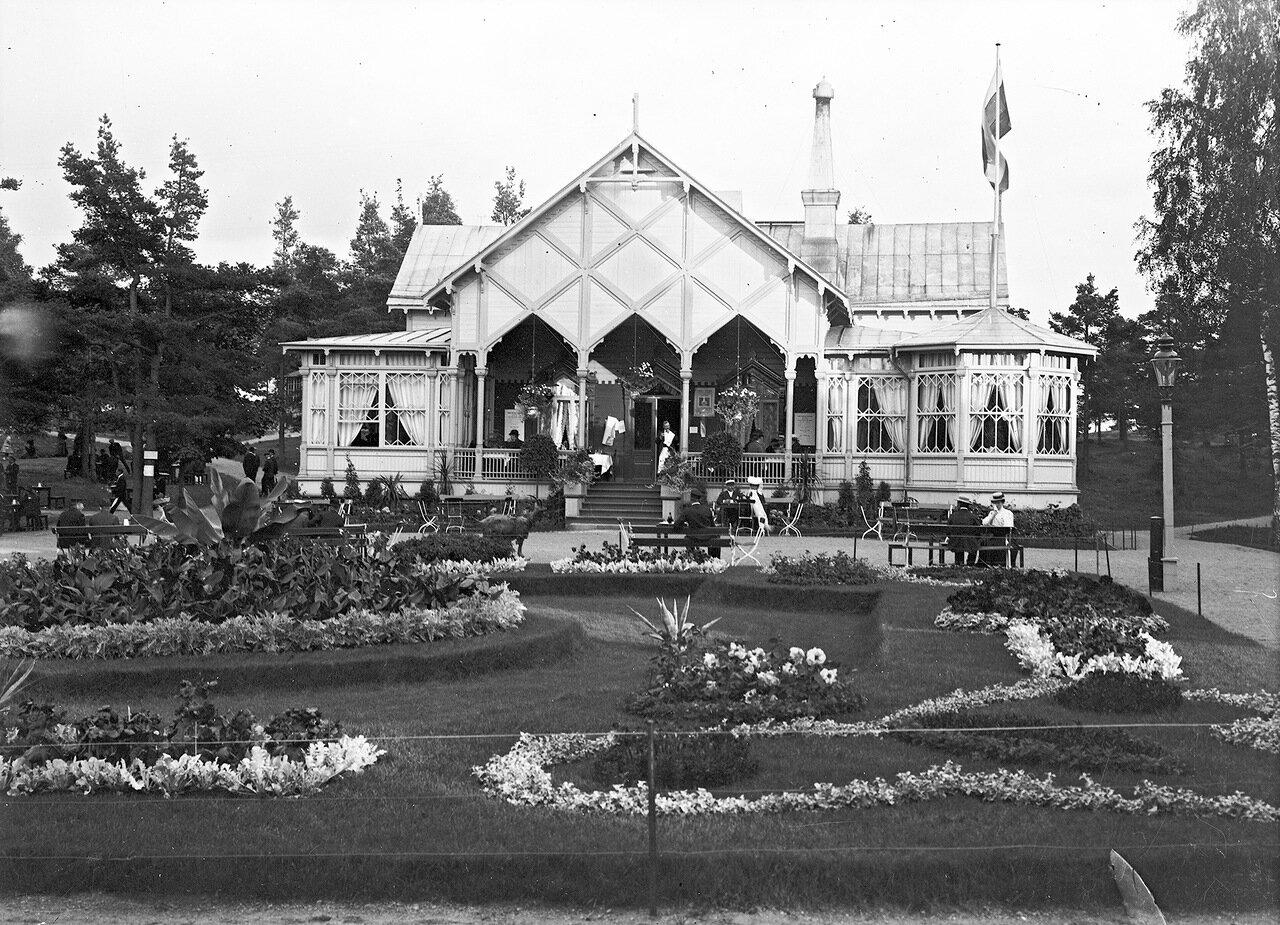 Ресторан в зоопарке Коркеасаари