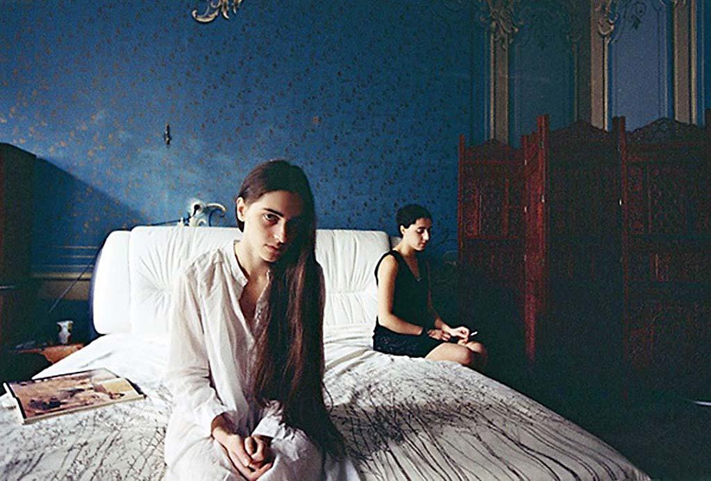 Дина Оганова, альбом My Place, две девушки