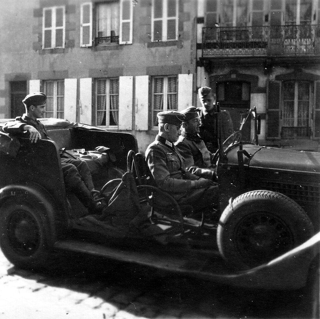 1941-1944 121