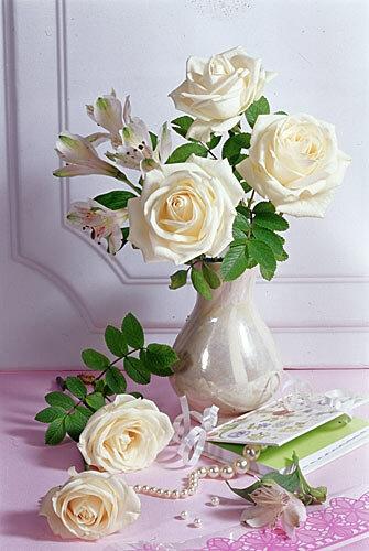 Белые розы открытка поздравление картинка