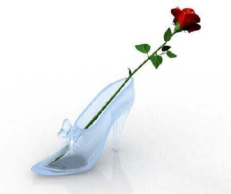 Роза в золушкиной туфельке открытка поздравление картинка