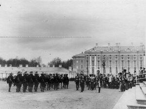 Церемониальный марш пулеметной команды на параде  1-ого стрелкового  батальона .