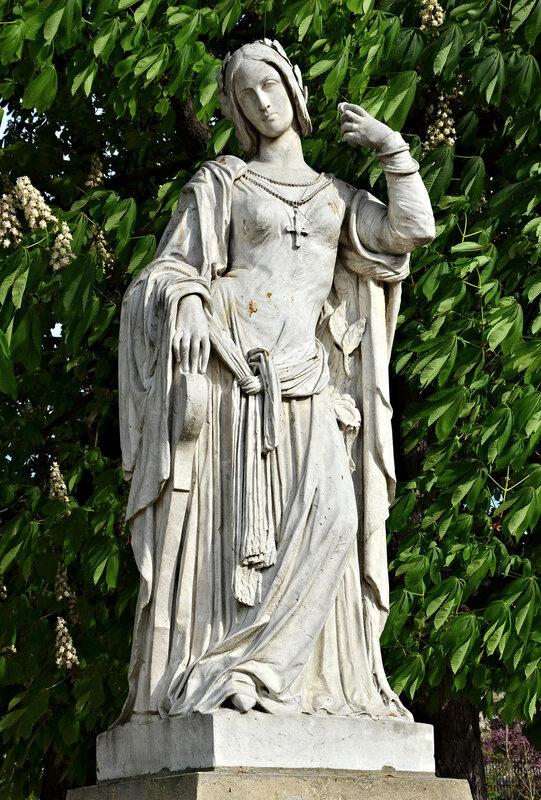 Клеманс Изор (легендарная, скорее всего, вымышленная французская дама знатного рода, в XV веке будто бы возобновившая в Тулузе традиционные литературные состязания)