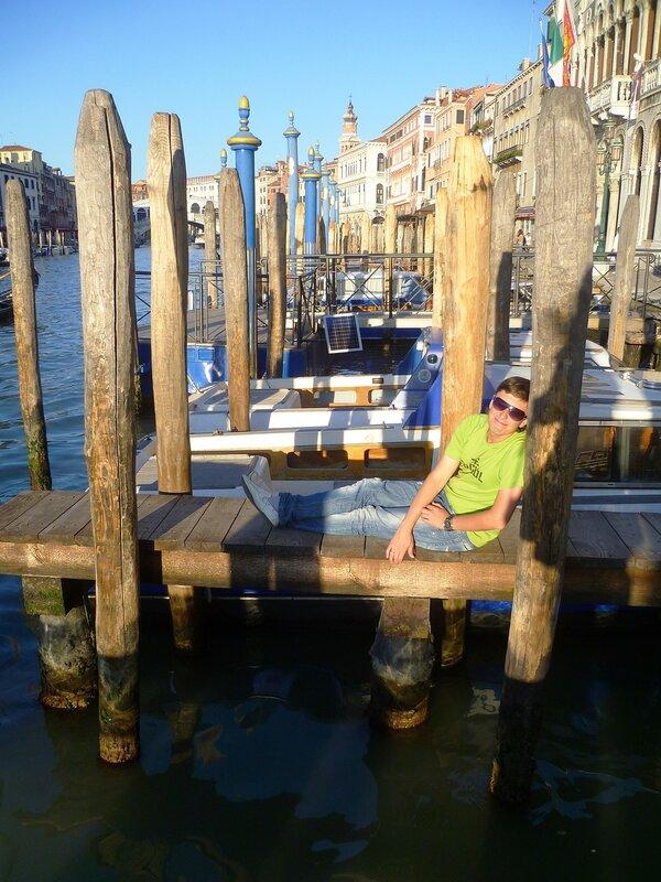 Италия. Венеция. Столбы для гондол. (Italy. Venice. Columns for gondolas)