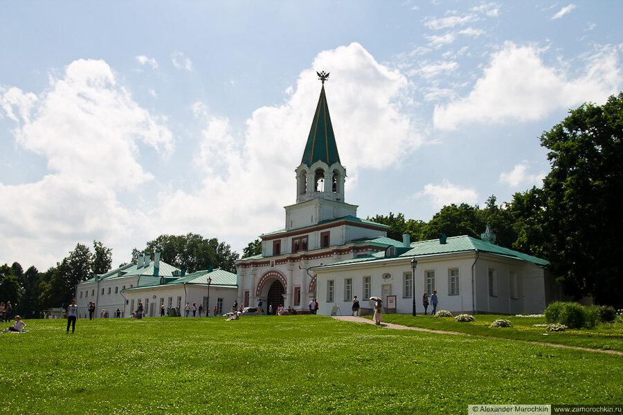 Передние ворота и Полковничьи палаты в Коломенском
