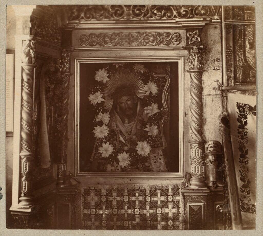Чудотворное резное изображение Спасителя в Спасском монастыре. 1910.