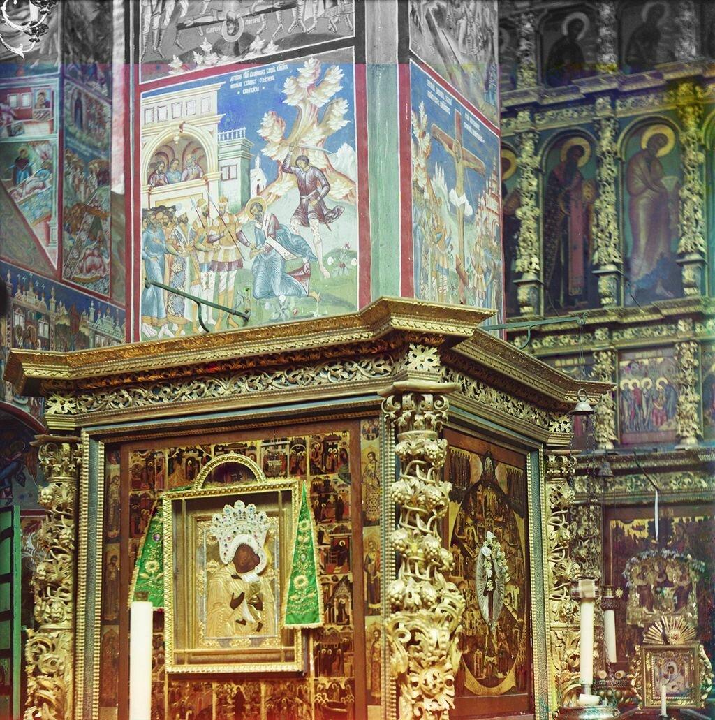 Роспись столпа в церкви Иоанна Златоуста