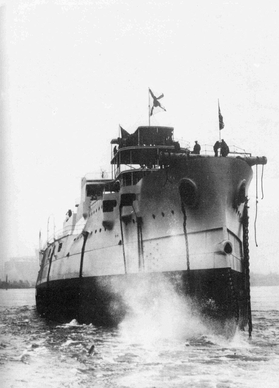 05. Эскадренный броненосец «Князь Суворов» в момент спуска на воду, 12 сентября 1902 года