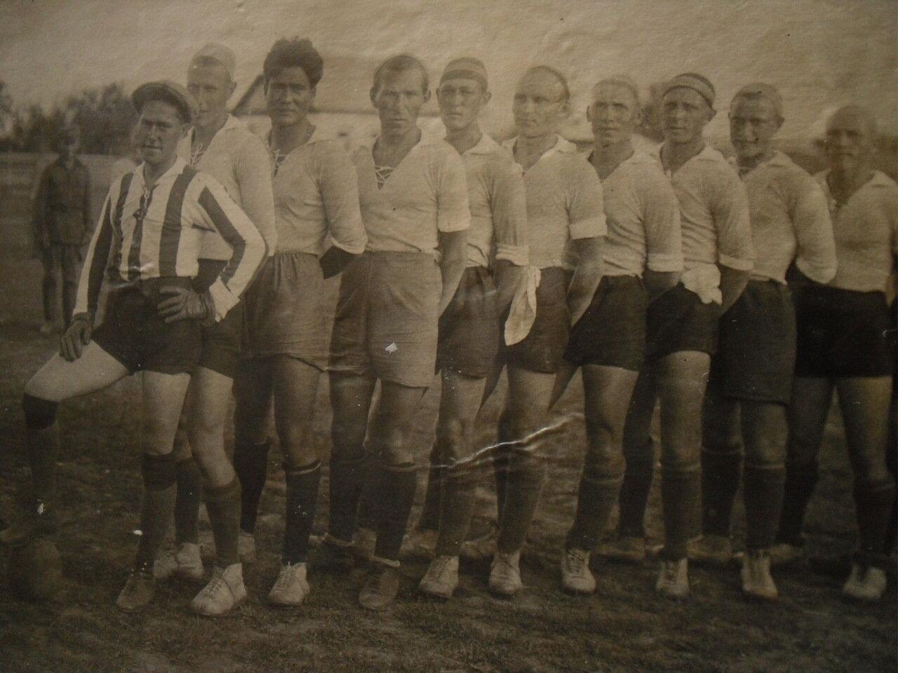 1925. Футболисты на КВЖД