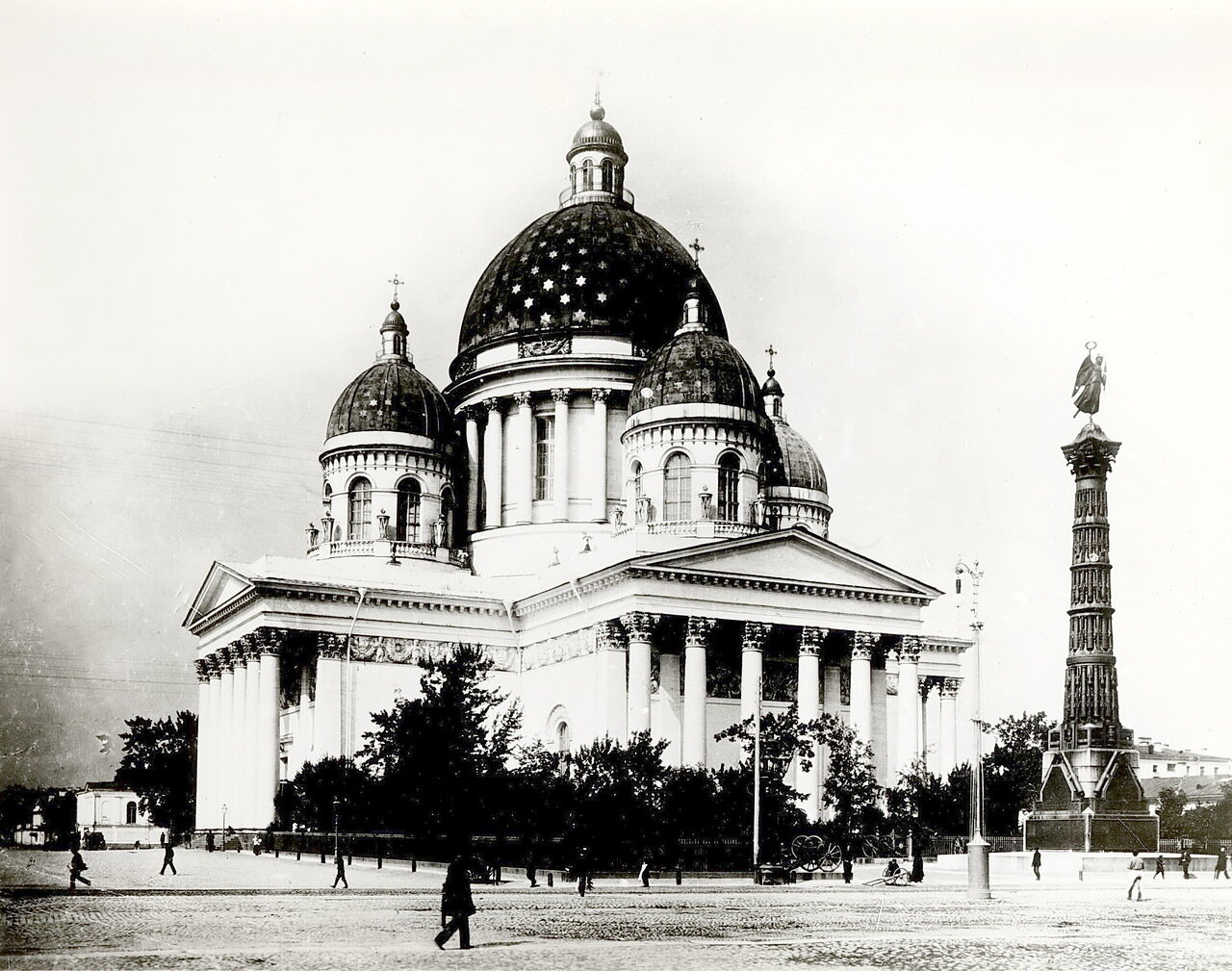 Свято--Троицкий Измайловский собор. Памятник Славе. 1886 г.