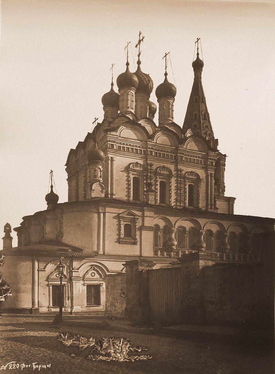 Вид северо-восточного фасада церкви Николая Чудотворца, что в Столпах (в Армянском переулке)