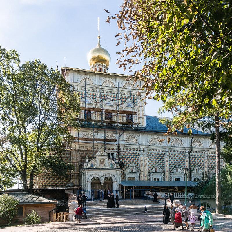 Церковь преподобного Сергия с Трапезной палатой в Троице-Сергиевой Лавре