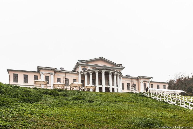 Усадебный дворец в Дубровицах