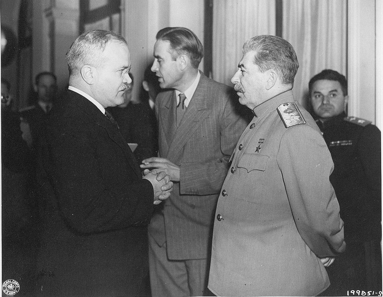 В.Молотов и И.Сталин