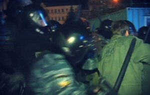 Разгон Евромайдана в Киеве:митингующие остаются поблизости