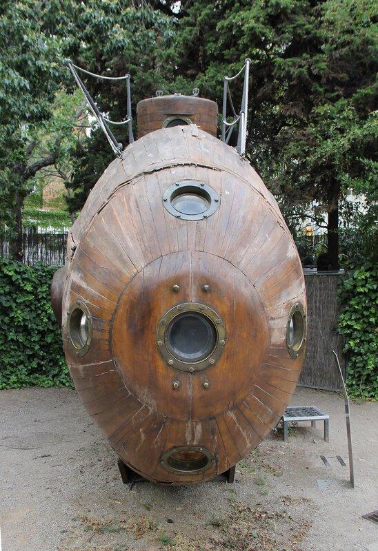 Морской музей Барселоны. первая испанская подлодка Ictineo I (рыба)