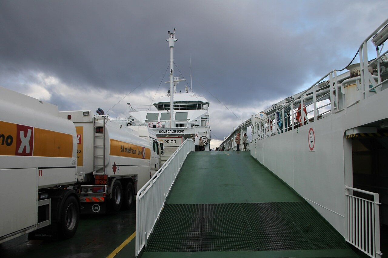 Норвегия, Молде, Паром, Ромсдальфьорда. Norway, Molde, Ferry,  Romsdalsfjord