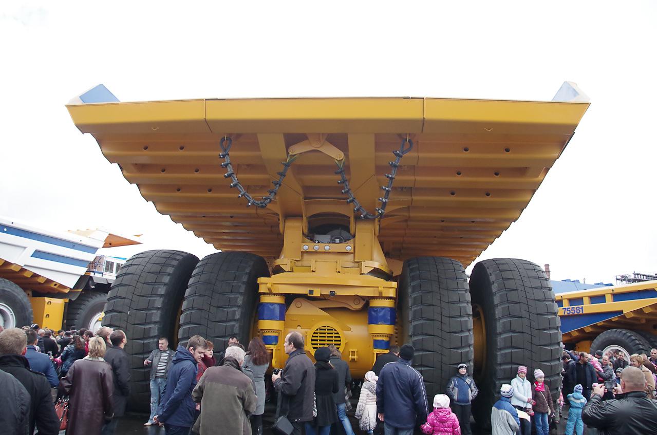 0 92871 acbec59f orig Как делают гигантов    БелАЗы.